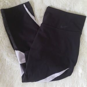 Womens Nike Dri fit Capris L
